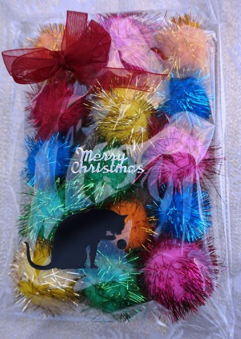 CHRISTMAS CAT TOY PACK - HAND DECORATED AND FILLED WITH 16 POM POM CAT TOYS #12